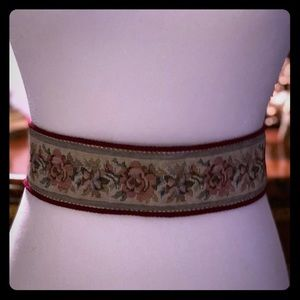 Accessories - Vintage Tapestry Tie Back Belt / Sash